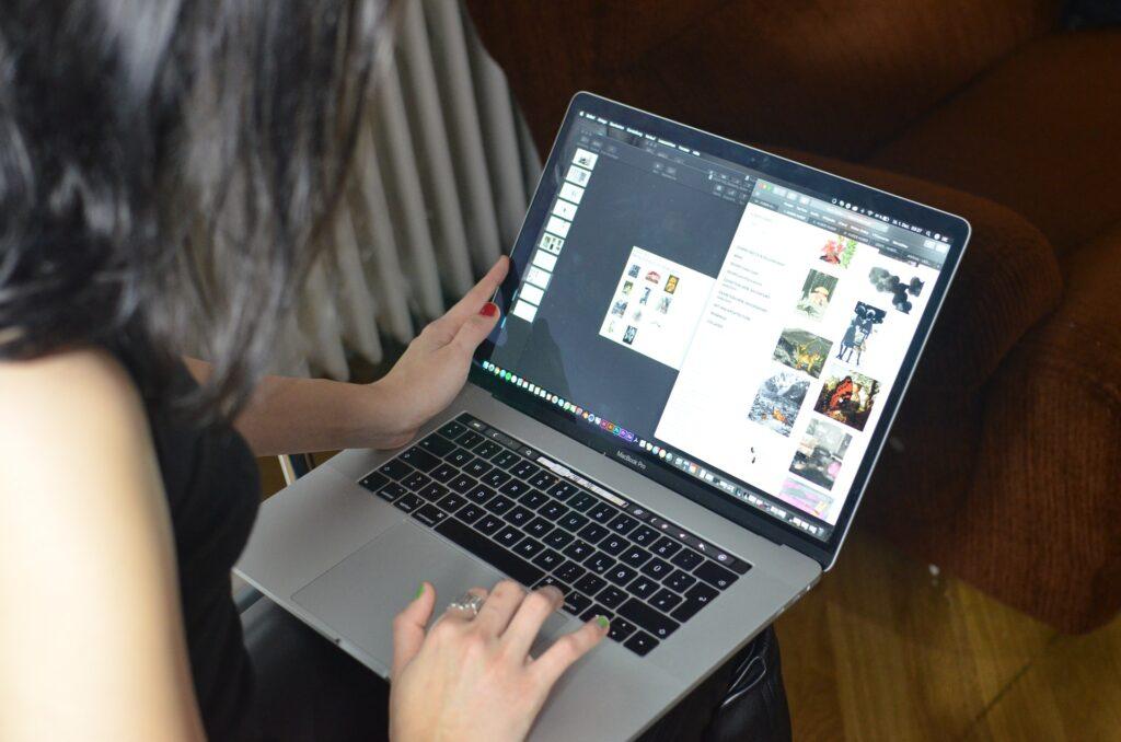 Contoh melamar kerja online