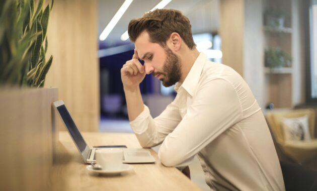 Usaha sampingan karyawan sibuk
